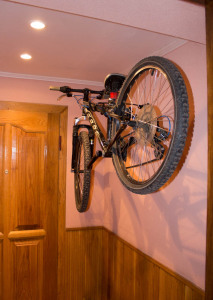 разместить велосипед
