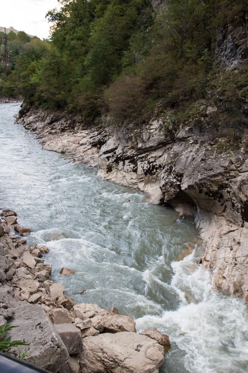 Порог (каньон) S-образный