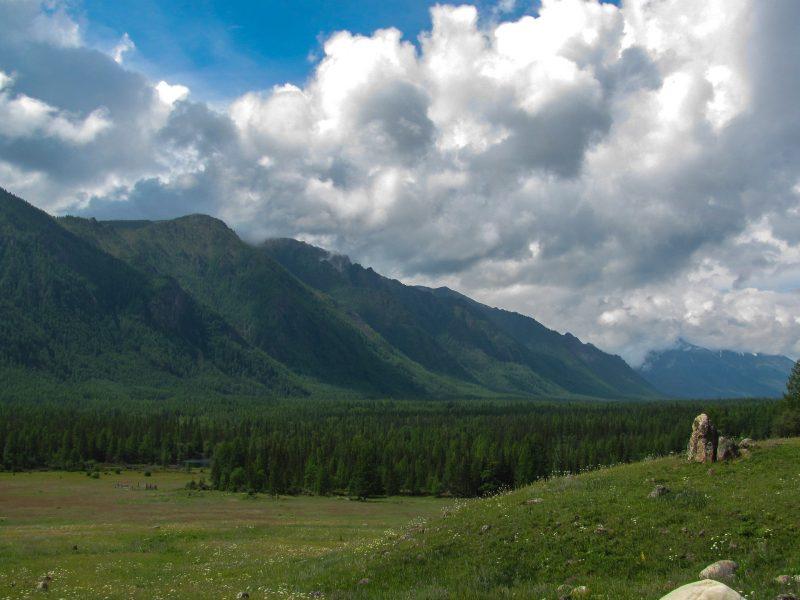 По долине Жомболока