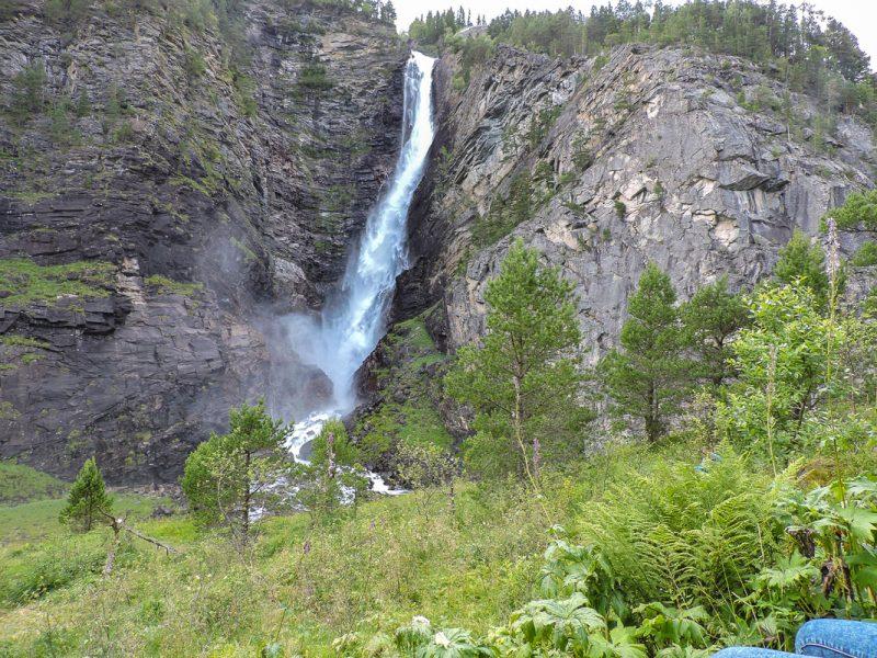 Amotan - где реки встречаются. Внизу начало нижней сплавной секцииGrovu