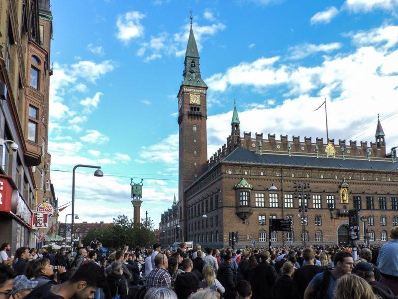 Смотрели футбол на площади в Копенгагене