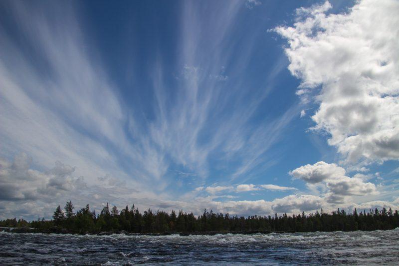 Северное небо на реке Питеэльвен