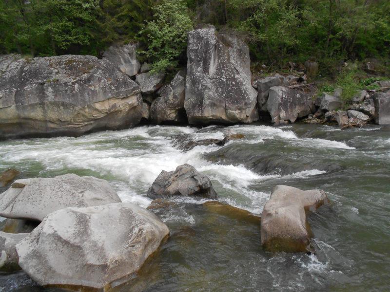 Основная ступень порога Прикарпатский, малая вода