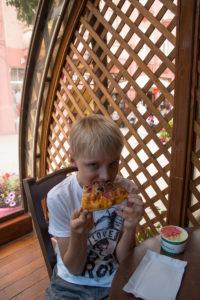 Тур по Закарпатью. Все дети любят пиццу