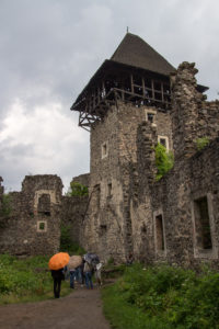 Тур по Закарпатью. Внутренний двор Нивицкого замка