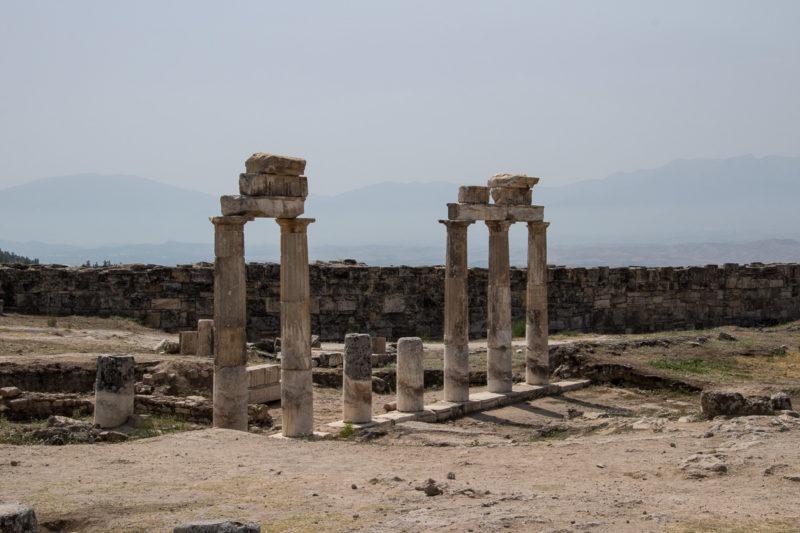 Турция. Древний разрушенный город Иераполис