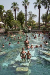 Турция. Ната и Артем в бассейне Клеопатры