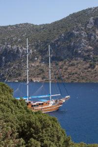 Турция. Острова. Яхта в бухте