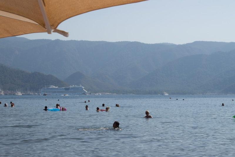 Турция Мармарис. Вид с плажа на Netsel Marina